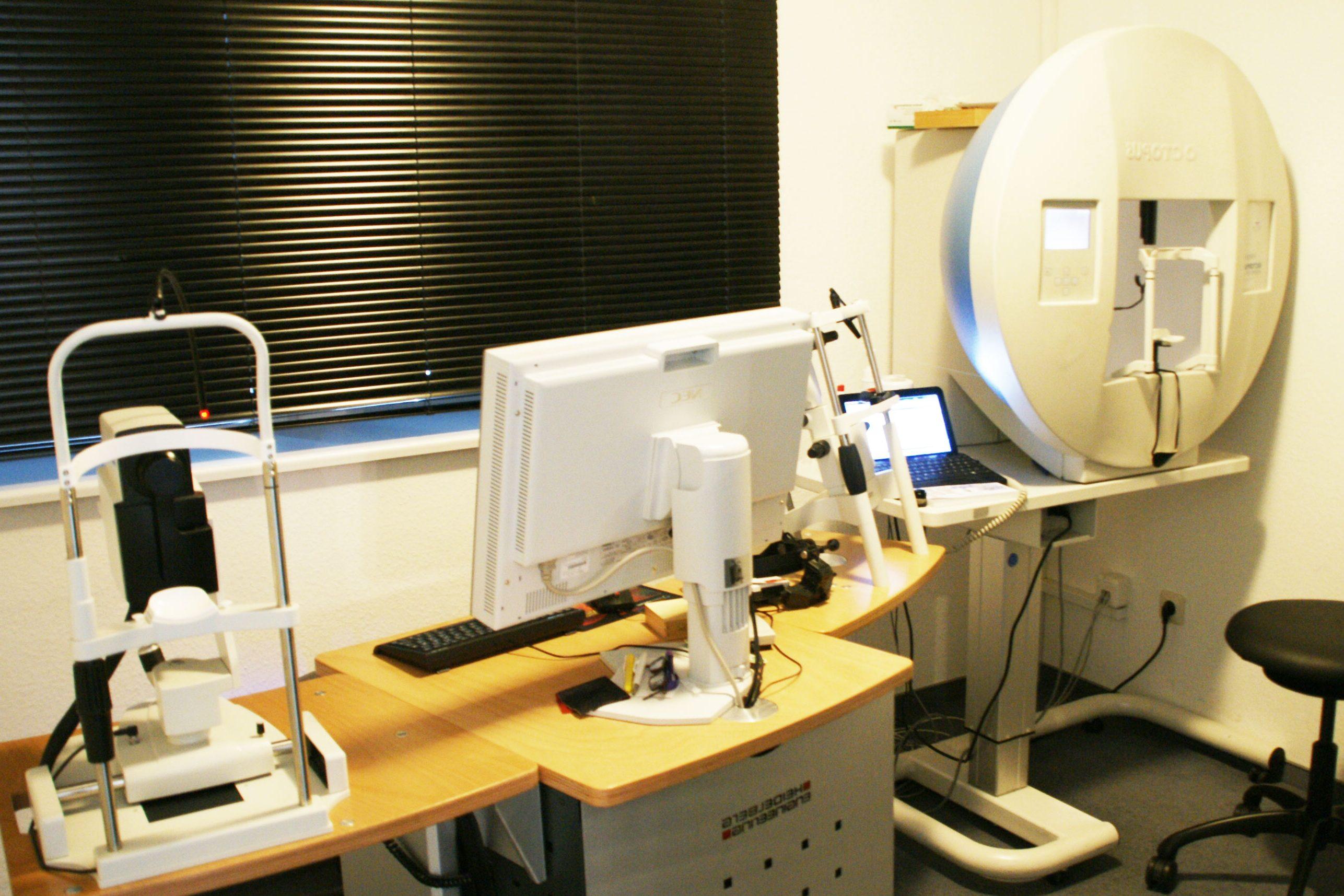 Praxis-Dr.-Dwinger-Moderne-Augendiagnose
